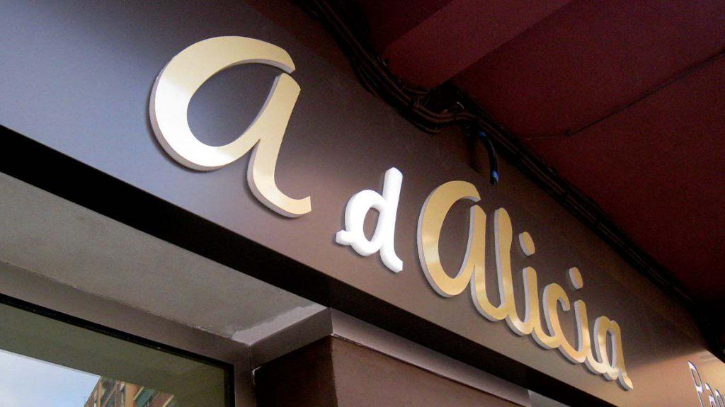 A de Alicia